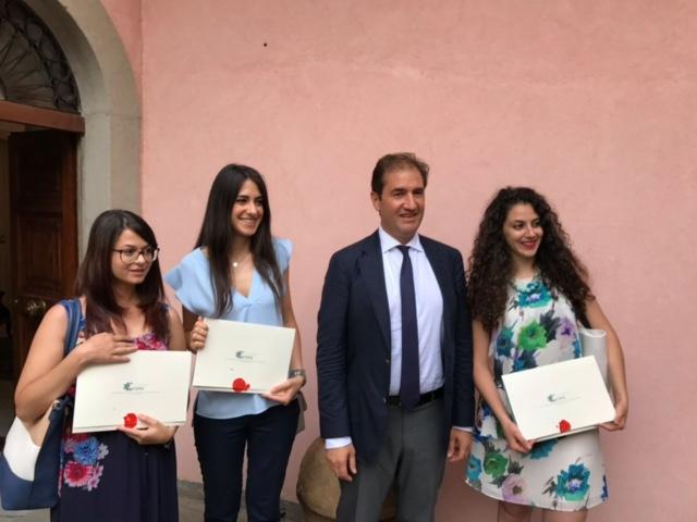 premiazione borsa di studio progetto CasaFarmacia