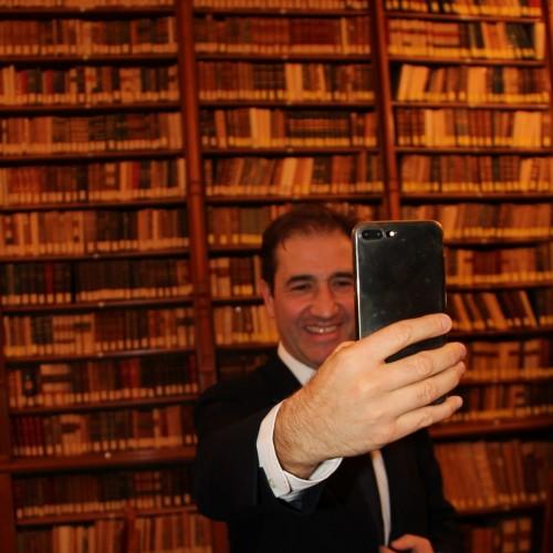 selfie-con-libri-custom